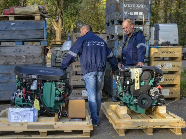 Поставка 2-х комплектов морских дизельных двигателей Volvo Penta D3-220A